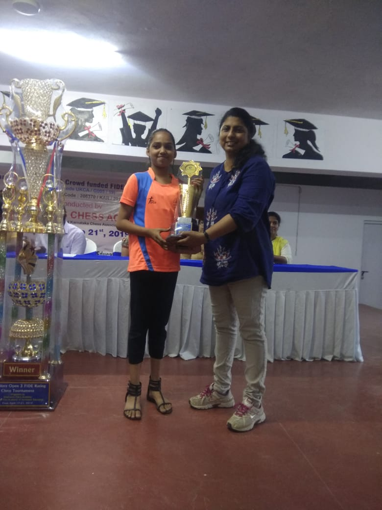 Anoushka Bhatt gets 5th Position in Under-13 Girls Category in the Bangalore Open-3 FIDE Rated Chess Tournament